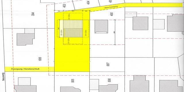 Besonderes Angebot - weit unter Bodenrichtwert - wunderschön gelegenes Einzelgrundstück in Südwestlage in Nideggen. Das Grundstück findet sich in einer der begehrtesten Wohnlagen in baulich gewachsenem Umfeld. Also keine Störeinflüsse durch Baugebietslage !  Mit ca. 1.000 m² Fläche eignet es sich hervorragend zur Bebauung mit einem großzügigen Ein- oder Zweifamilienhaus (bis zu ca. 230m² Wohnfläche ohne ausgebautes Dachgeschoß) oder zwei Doppelhaushälften. Das Grundstück ist ca. 20 x 50 m groß und bietet zwei Zufahrten.  Eine Vorplanung für eine Ein-/Zweifamilienhaus liegt vor. Gern stehen wir auch bei Ihrer Bauplanung/-ausführung zur Seite. Völlig unabhängig davon wird das Grundstück unbebaut veräußert.  Das angebotene Baugrundstück ist Teil eines größeren Flurstücks. Die Kosten der erforderlichen Vermessung trägt der Käufer, ebenso natürlich die Hausanschlußkosten im Rahmen seiner Baumaßnahme.  Die schriftliche Festsetzung des gültigen Bebauungsplanes dient dem Ziel, den Gebietscharakter zu erhalten und gibt für Bauvorhaben folgenden Rahmen vor:  - allgemeines Wohngebiet, erschließungsbeitragsfrei - offene Bauweise - nur Einzel-/Doppelhäuser - pro Wohnhaus max. 2 selbständige Wohneinheiten - Dachneigung mind. 25° - Firsthöhe max 10,0 m - bauliche Anlagen und Nebenanlagen gem. § 14 BauNVO (Wintergarten, Stellplätze, Garagen, Gartenhäuschen etc.) sind unter bestimmten Bedingungen innerhalb und außerhalb des Baufensters zulässig - Grundflächenzahl = 0,4 - Geschoßflächenzahl = 0,8