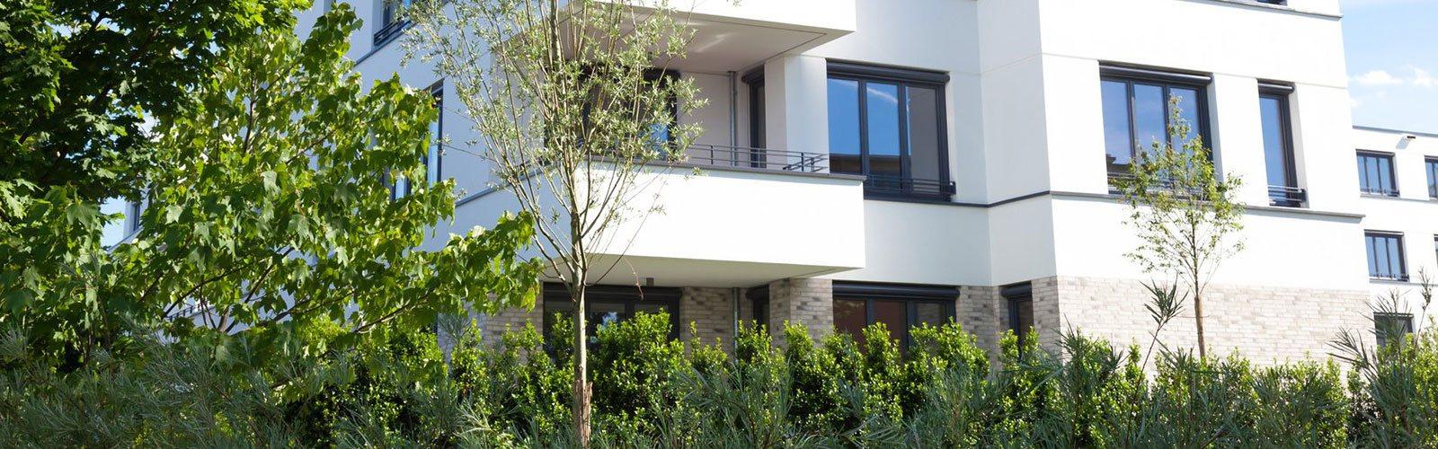 modernes Mehrfamilienhaus