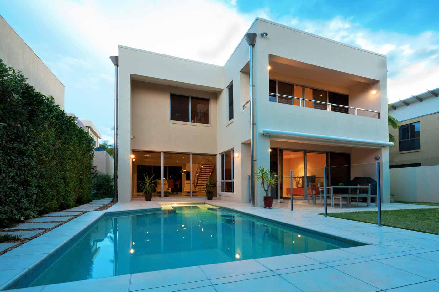 modernes Einfamilienhaus mit Pool